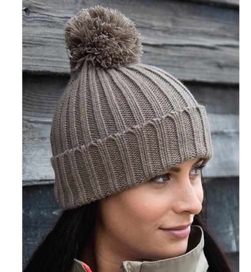 Žieminė kepurė su bumbulu 369.33